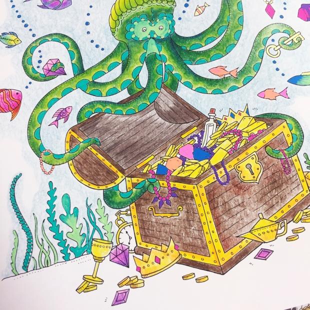 Lost Ocean Colouring Pencils Hochanda Sarah Hurley Close Up2